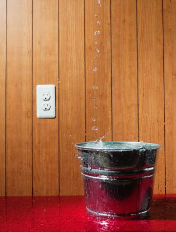 Basement「Bucket Overflowing」:スマホ壁紙(8)