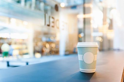 Take Out Food「Takeaway coffee on counter」:スマホ壁紙(4)