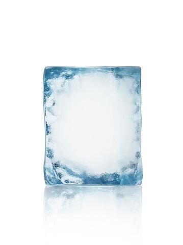Block Shape「Ice block isolated on white」:スマホ壁紙(11)