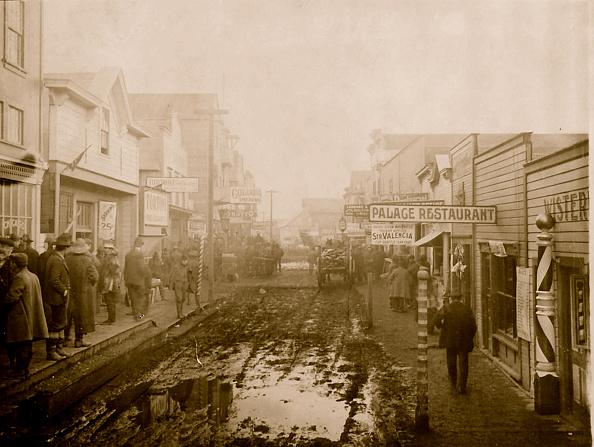 1900-1909「Nome's Muddy Streets & Barber Shop」:写真・画像(15)[壁紙.com]
