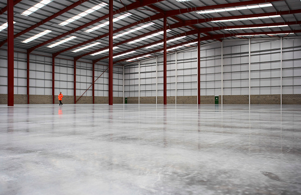 Flooring「Warehouse showing new concrete slab」:写真・画像(6)[壁紙.com]