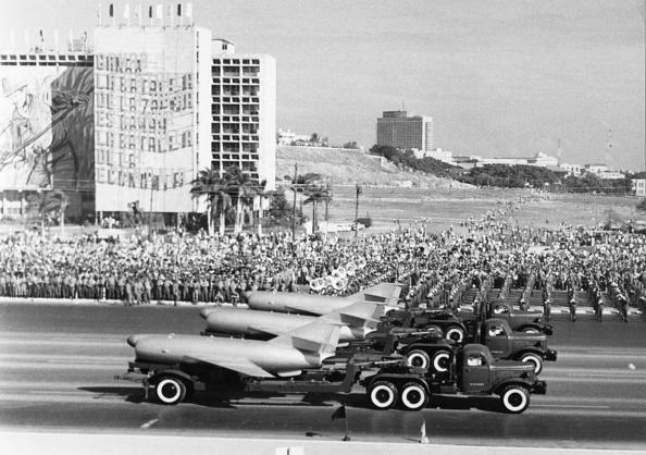 1960-1969「Military Parade In Havana」:写真・画像(16)[壁紙.com]