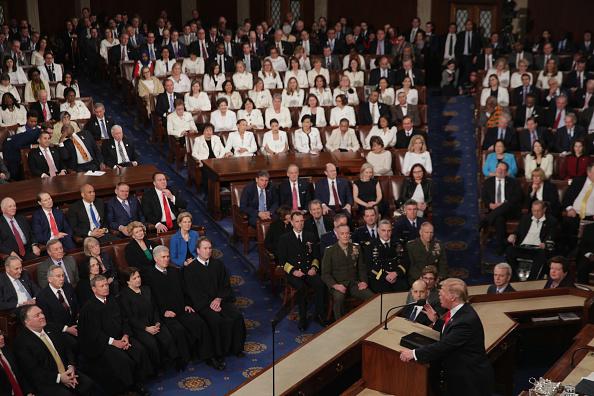 女「President Trump Delivers State Of The Union Address To Joint Session Of Congress」:写真・画像(6)[壁紙.com]