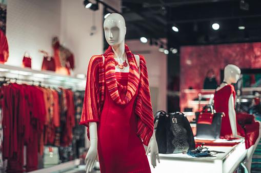 Dress「Clothes on hangers」:スマホ壁紙(7)