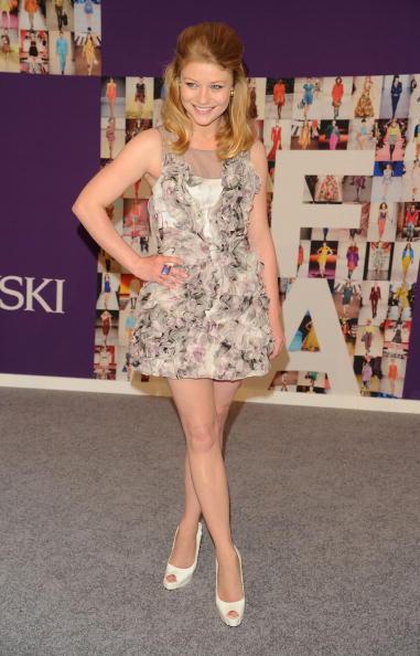 Emilie De Ravin「2010 CFDA Fashion Awards - Arrivals」:写真・画像(9)[壁紙.com]