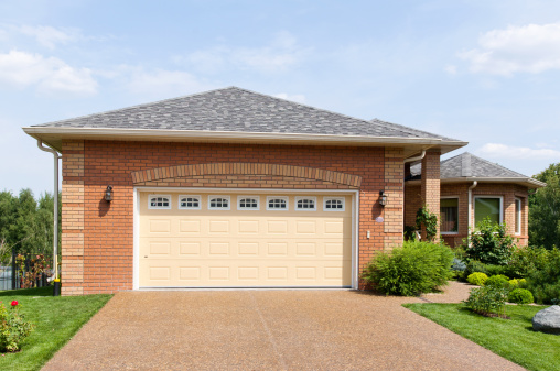 Suburb「Large brick garage in a suburban environment on a sunny day」:スマホ壁紙(19)