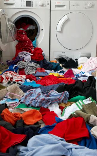 Heap「washing spilling out of washing machine 」:スマホ壁紙(3)