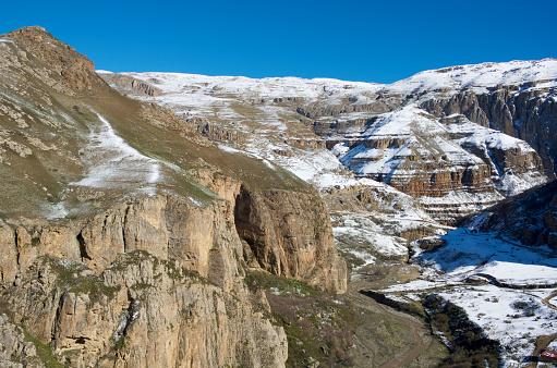 コーカサス山脈「Snowcapped mountains and canyon in the Greater Caucasus mountain range.」:スマホ壁紙(14)
