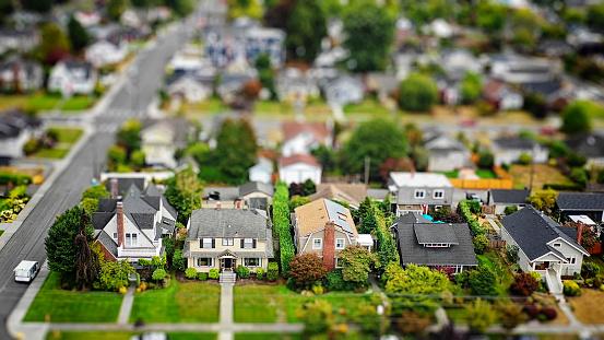 Aerial View「American Suburban Neighborhood Tilt-shift Aerial Photo」:スマホ壁紙(11)