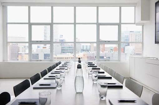 Cityscape「Empty boardroom」:スマホ壁紙(10)