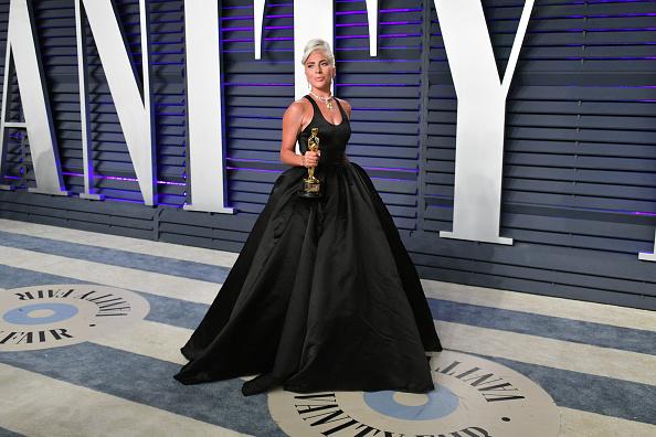 Shallow「2019 Vanity Fair Oscar Party Hosted By Radhika Jones - Arrivals」:写真・画像(3)[壁紙.com]