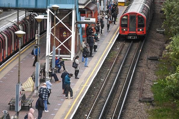 Train - Vehicle「UK Eases Some Restrictions In Eighth Week Of Coronavirus Lockdown」:写真・画像(7)[壁紙.com]