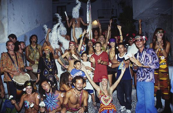 Ibiza Town「Flower Power Parade」:写真・画像(1)[壁紙.com]