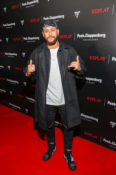 ネイマール「Capsule Collection Neymar Jr. X Replay At Weltstadthaus Duesseldorf」:写真・画像(3)[壁紙.com]