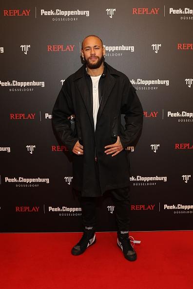 ネイマール「Capsule Collection Neymar Jr. X Replay At Weltstadthaus Duesseldorf」:写真・画像(1)[壁紙.com]