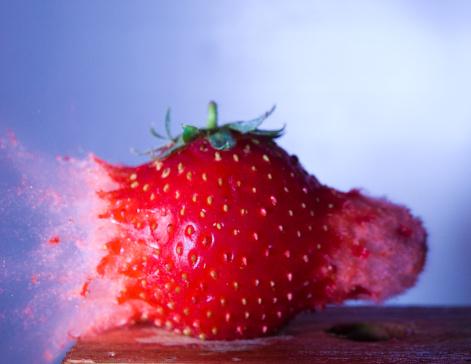 Destruction「Strawberry」:スマホ壁紙(16)