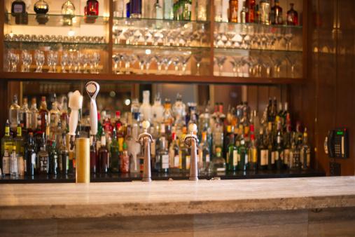 Alcohol - Drink「USA, New York State, New York City, Empty bar」:スマホ壁紙(8)