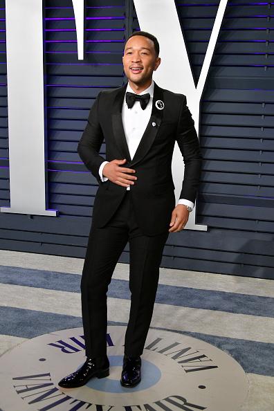 Tuxedo「2019 Vanity Fair Oscar Party Hosted By Radhika Jones - Arrivals」:写真・画像(7)[壁紙.com]