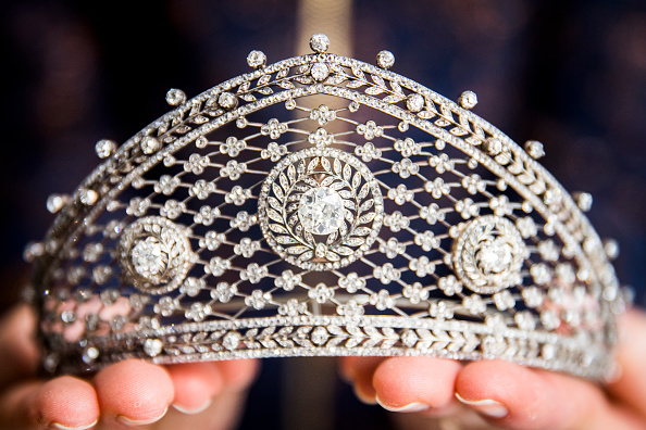 Crown - Headwear「Sotheby's Geneva Jewellery Sale Preview」:写真・画像(12)[壁紙.com]