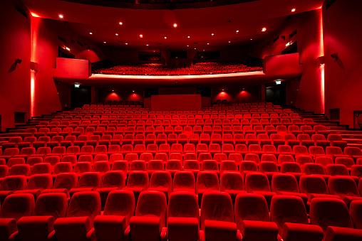 Velvet「Red seats in theather」:スマホ壁紙(9)