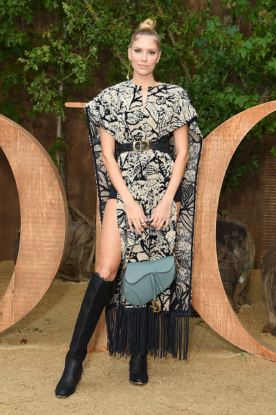 Belt「Christian Dior : Photocall -  Paris Fashion Week - Womenswear Spring Summer 2020」:写真・画像(16)[壁紙.com]
