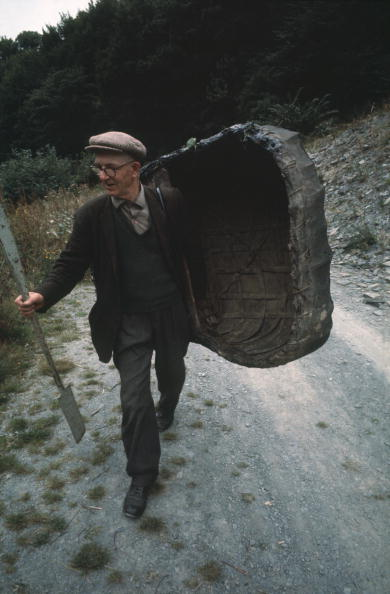 Fisherman「Carrying Coracles」:写真・画像(8)[壁紙.com]