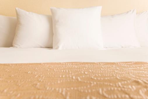 Motel「Bed and pillows」:スマホ壁紙(10)