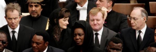 Peter Macdiarmid「Funeral Held For Pope John Paul II」:写真・画像(8)[壁紙.com]