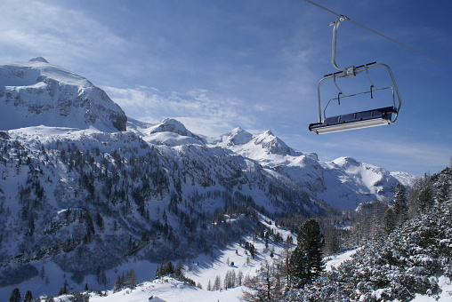 Ski Resort「Ski Lift in the Alps」:スマホ壁紙(7)