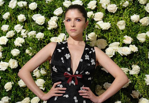 アナ・ケンドリック「2017 Tony Awards - Red Carpet」:写真・画像(17)[壁紙.com]