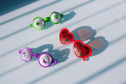 Inexpensive「Elevated view of Child's plastic glasses」:スマホ壁紙(19)