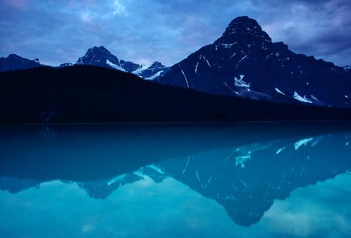 ケフレン山「Mt Chephren and Waterfowl Lake」:スマホ壁紙(16)