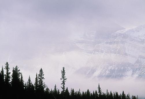 ケフレン山「Mt. Chephren, Banff National Park, Alberta, Canada」:スマホ壁紙(2)