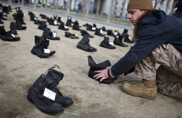 """Eyes Wide Open"" Exhibit Highlights Human Cost Of War:ニュース(壁紙.com)"