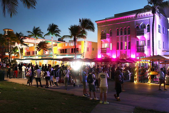 Miami「Florida Grapples With Influx Of Spring Break Tourists」:写真・画像(8)[壁紙.com]