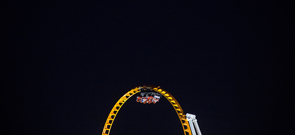 Rollercoaster「New Yorkers Hit Coney Island Beach On The Last Week Of Summer」:写真・画像(11)[壁紙.com]