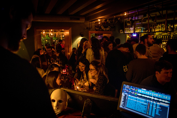 Nightclub「As Kosovo's Ethnic Divides Persist, So Does Talk Of Partition」:写真・画像(11)[壁紙.com]