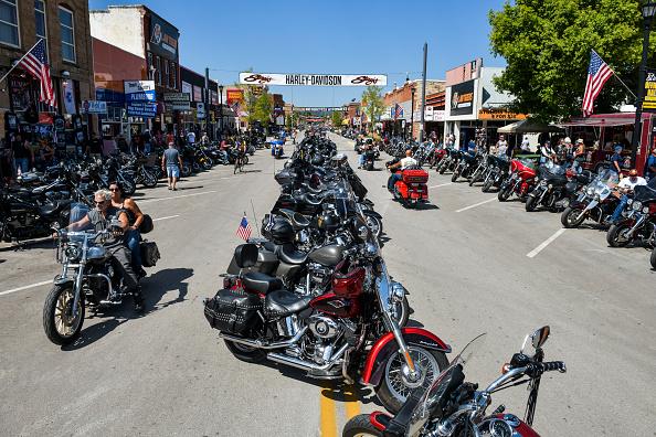 Motorcycle「Annual Sturgis Motorcycle Rally To Be Held Amid Coronavirus Pandemic」:写真・画像(16)[壁紙.com]