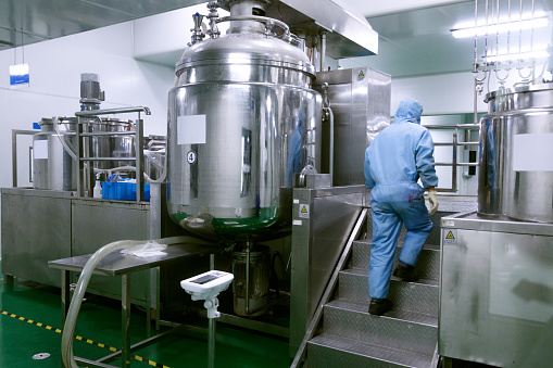 Chemical「Technician check manufacture equipment and reactors in pharmacy factory」:スマホ壁紙(13)