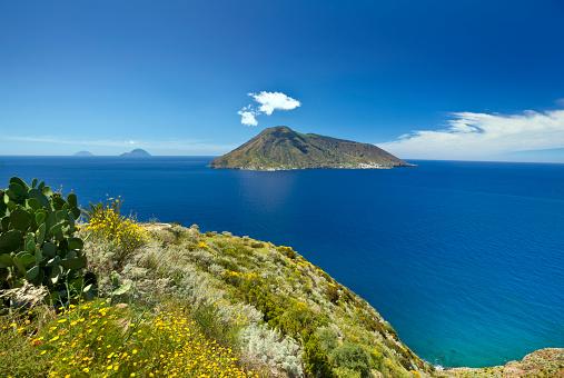 Tyrrhenian Sea「Aeolian Islands」:スマホ壁紙(12)