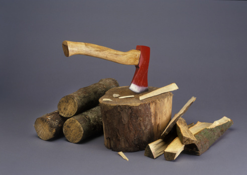 Log「chopping firewood」:スマホ壁紙(4)
