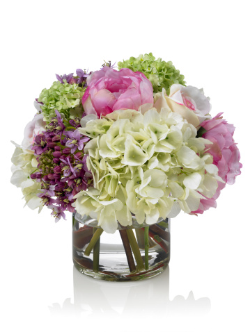 Bunch「Mixed pink and white Spring garden bouquet on white background」:スマホ壁紙(17)