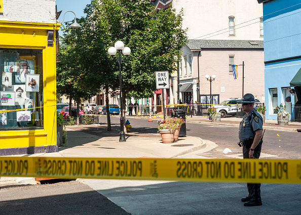 Gunman「Nine Killed, 27 Wounded In Mass Shooting In Dayton, Ohio」:写真・画像(2)[壁紙.com]