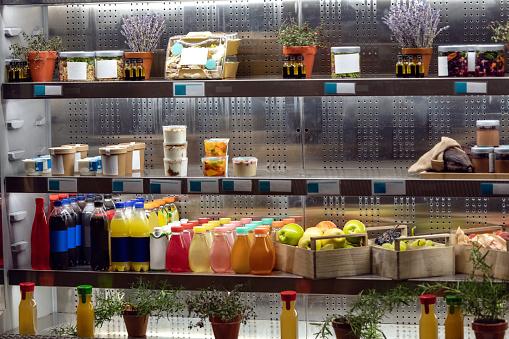 Sweet Food「Organic juices on refrigerator shelfs」:スマホ壁紙(10)