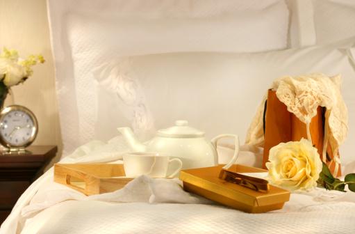 Duvet「Tea in bed with chocolates」:スマホ壁紙(1)