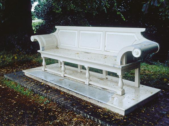 Bench「Garden Bench In Blickling Hall」:写真・画像(17)[壁紙.com]