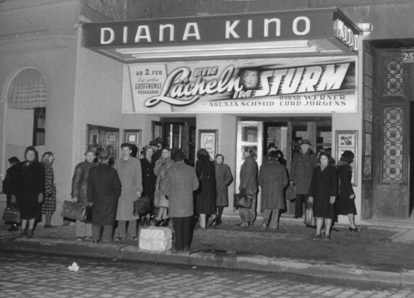 Movie Theater「Opening Of The Diana Cinema. About 1978. Vienna. Photograph.」:写真・画像(15)[壁紙.com]