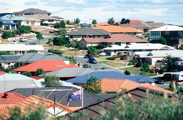 Suburb「Housing area in a small town outside Brisbane, Queensland, Australia」:写真・画像(6)[壁紙.com]