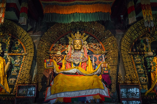 Himalayas「Buddhist temple interior  in Mongolian tribe village」:スマホ壁紙(11)