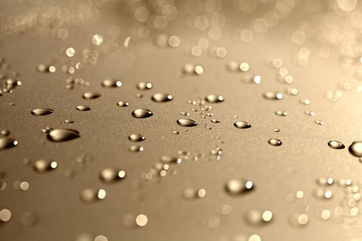Molten「Water drops on a polished gold metalic motorhood」:スマホ壁紙(5)
